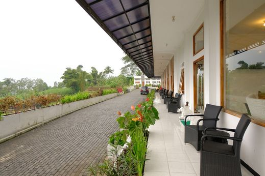 Hotel Kawi Surapatha Malang - Exterior
