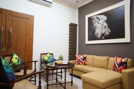 Suryosukoco Homestay Yogyakarta - Interior
