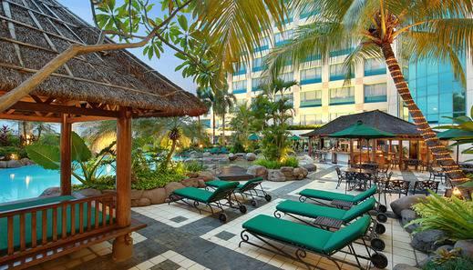 Hotel Ciputra Jakarta - Swimming Pool