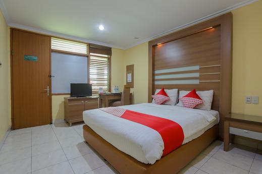 OYO 918 Hotel Senen Indah Syariah Near Rs Darmais Jakarta - Bedroom