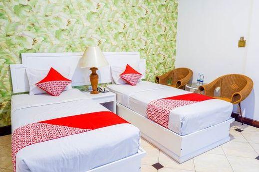 OYO 1452 Utari Near RS Borromeus Bandung - Bedroom