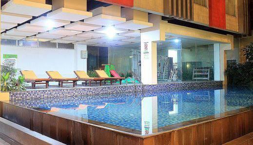 ZEN Premium Setrawangi Raya Bandung - Kolam Renang