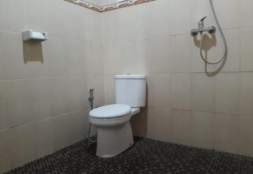 Parta Homestay Bali - Bathroom