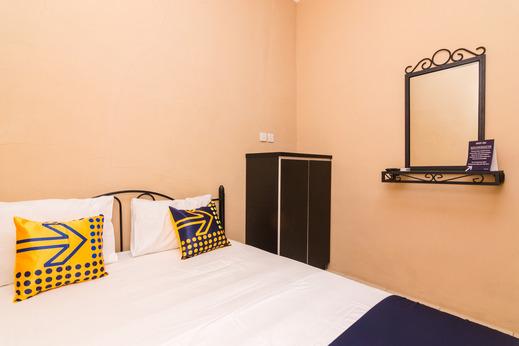 SPOT ON 2755 Zainab Homestay Batam - Spot on Double Room