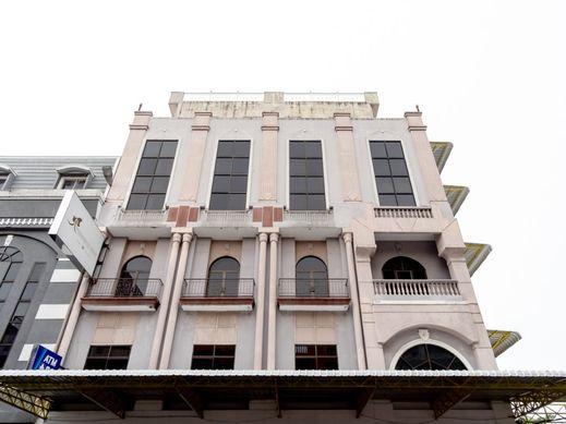 Capital O 2023 Medan Ville Hotel Medan - Facade