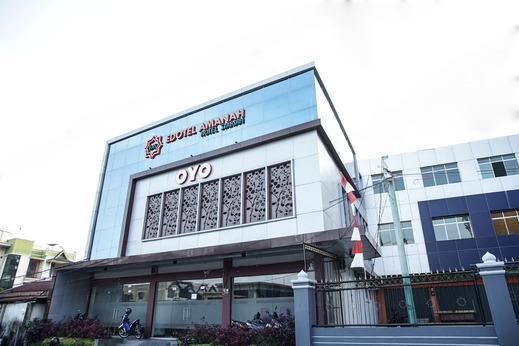 OYO 889 Edotel Amanah Hotel Syariah By SMK Muhammadiyah 1 Pekanbaru - facade