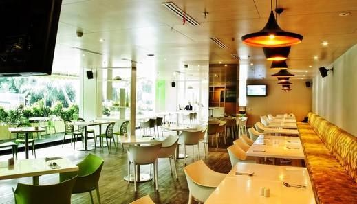 Pomelotel Jakarta - Kafe