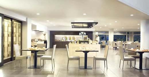 Hotel Santika Bandung - Restaurant
