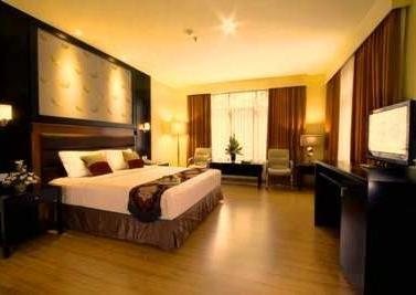 Sari Ater Kamboti Hotel & Convention Bandung - Deluxe Suite Double With Parquet Floor