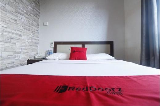 RedDoorz @ Batu Aji Batam Batam - Bedroom
