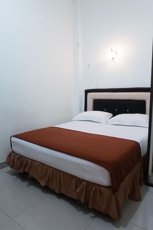 Star Beach Hotel Danau Toba - Bedroom
