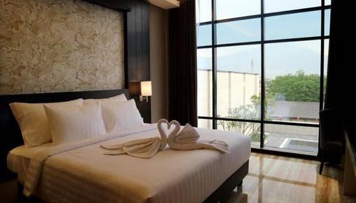 Grand Karlita Hotel Purwokerto Banyumas - Room