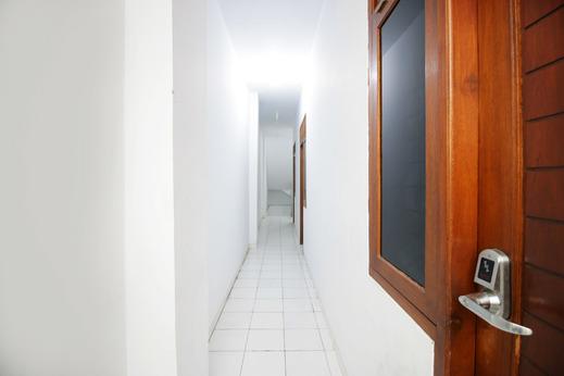Hotel Mama Syariah at Ruko Kutajaya Tangerang - Hallway