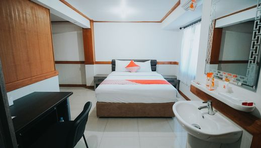 OYO 1209 Tirtasari Nice Guesthouse Bandung - Bedroom