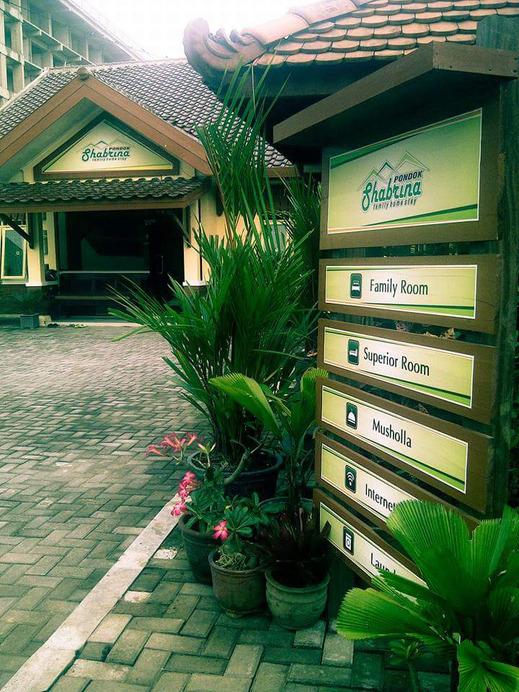 Pondok Shabrina Family Homestay Yogyakarta - Other