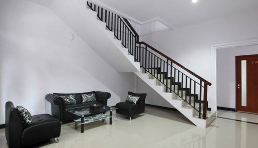 Green Tropical Village Hotel & Resort Belitung - Lobby