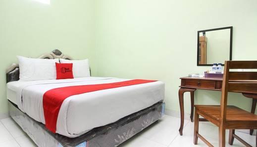 RedDoorz Plus near Taman Sari Yogyakarta - Guestroom