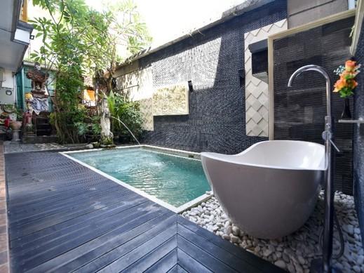 RedDoorz @ Imam Bonjol Kuta Bali - Swimming Pool