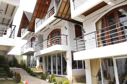 Hotel Kupu Kupu Bandung - Villa