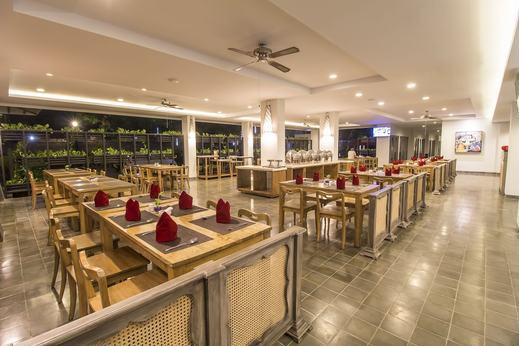 Burza Hotel  Yogyakarta - Restaurant