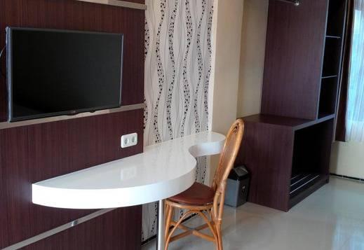 Votel Kartika Abadi Hotel Madiun Madiun - TV