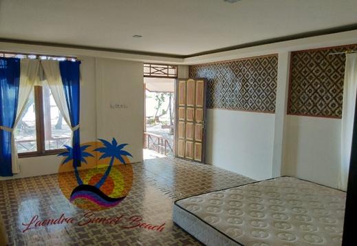 Laendra Sunset Beach Jepara - Room