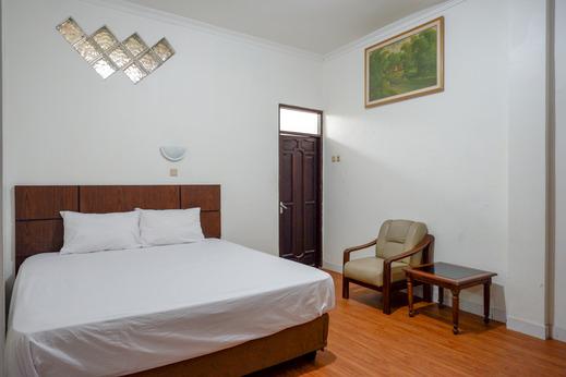 Puspa Indah Guesthouse Semarang - Photo