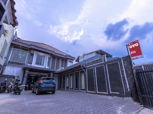 OYO 1672 Wisma Barkah Jakarta - Facade