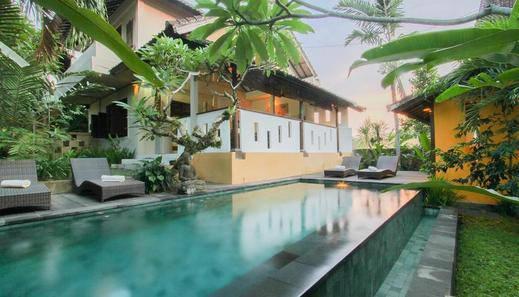 Gusde Tranquil Villa Bali - Kolam Renang