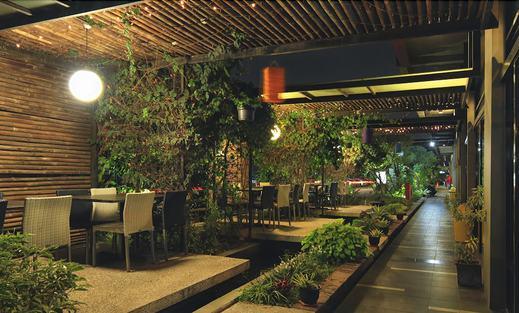 Valore Hotel Cimahi - Restaurant
