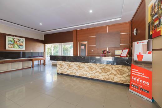RedDoorz @ Hotel Putri Gading Bengkulu Bengkulu - Photo