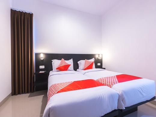 OYO 567 Puri Maju Jakarta - Bedroom