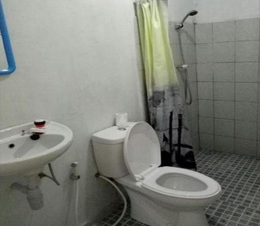 Homestay 28  Pangandaran - Bathroom