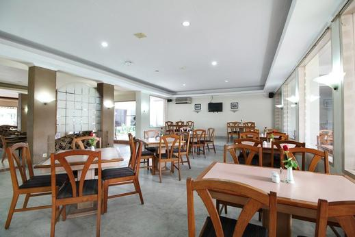 Airy Braga Lembong 21 Bandung - Restaurant
