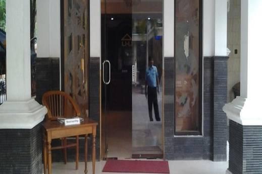Hotel Wisma Djaja Bojonegoro - Pintu Masuk
