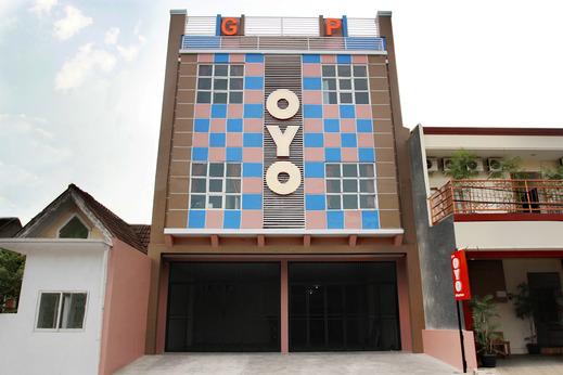 OYO 120 GP Residence Tangerang - Facade