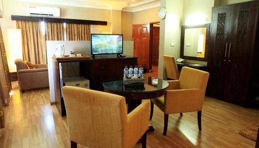 PIA Hotel Pandan Tapanuli Tengah - Grand Suite