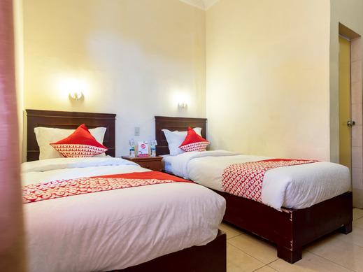 OYO 1030 Hotel Bumi Asih Medan - Bedroom