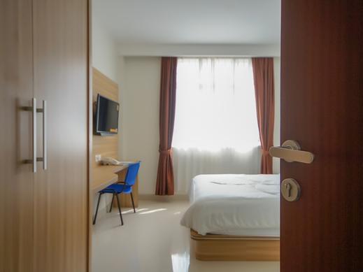 Diamond Executive Kost Palembang - Bedroom