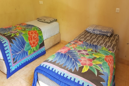 OYO 2320 Hotel Charvita Kupang - Bedroom