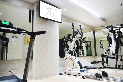 Luminor Hotel Surabaya - Gym