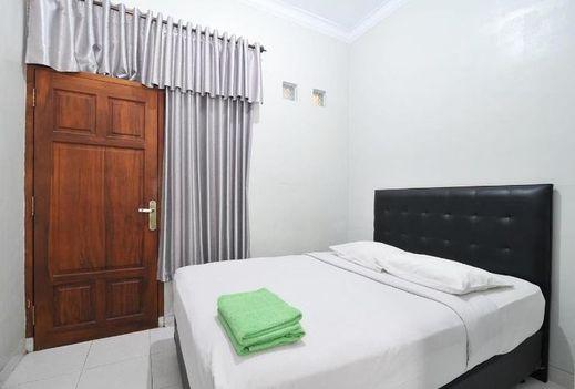 Campus Inn Hotel Yogyakarta - Guest room