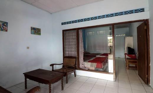 NIDA Rooms Giri Kondang 11 Pakem - Kamar tamu