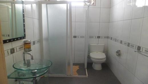Villa Kota Bunga Dandelion Cianjur - Bathroom