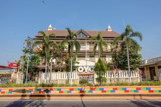 OYO 1803 Hotel Sarangan Permai Madiun - Facade