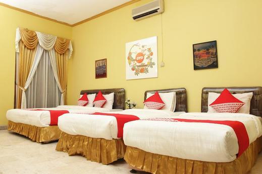 OYO 392 Hotel Mawar Saron Near RS Bethesda Yogyakarta - Bedroom