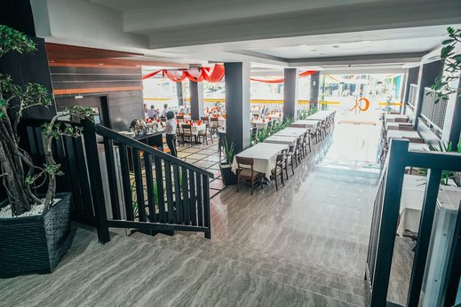 Alpha Hotel Pekanbaru - Interior Entrance