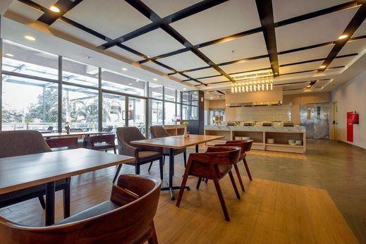 Teraskita Hotel Makassar Managed by DAFAM Makassar - Restaurant