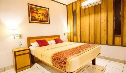 Komodo Lodge Manggarai Barat - Kamar Tidur