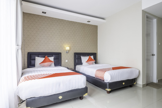 Capital O 2239 Hotel Endah Parahyangan Bandung - Deluxe Twin Bedroom